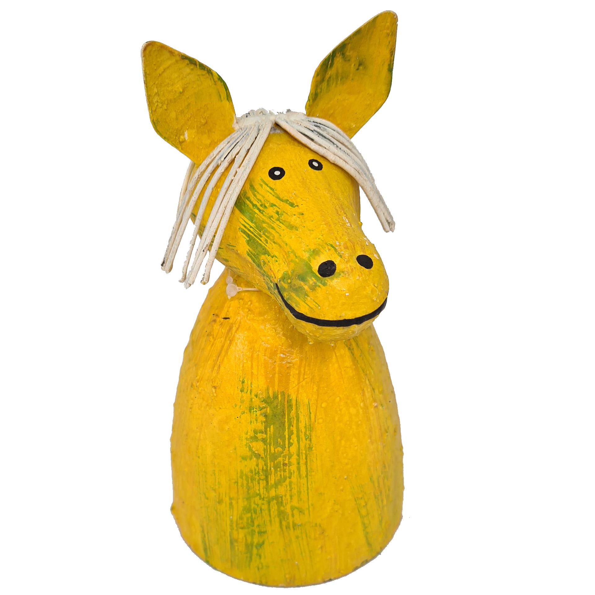 Zaunhocker Bauernhof Pferd gelb
